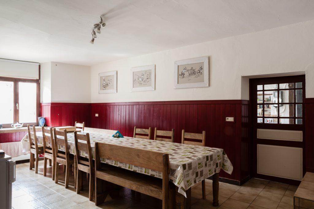 De keuken met ruime eettafel