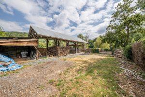 Grote tuin vakantie huis met schuur in Ardennen