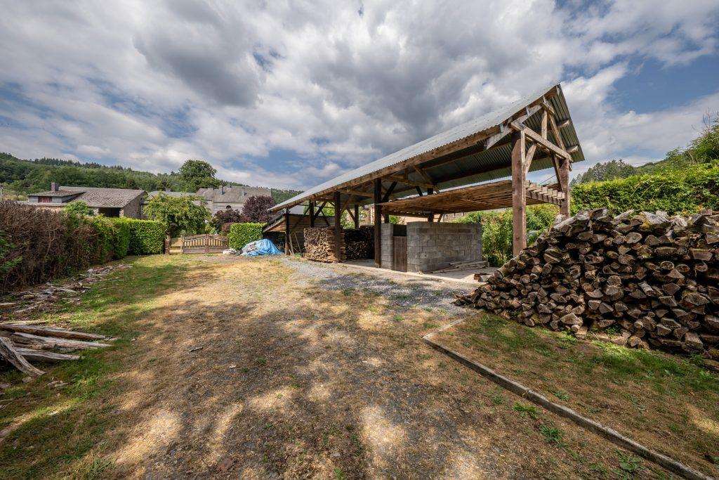 Grote tuin vakantie huis met schuur in Vresse-Sur-Semois